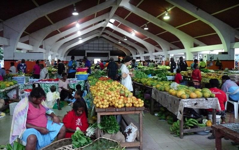 Mercado de Mamá, frutas, verduras y carnes en Vanuatu