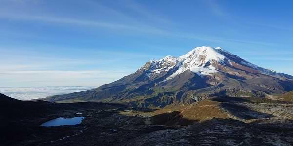 Nieve en el volcán Chimborazo en Ecuador
