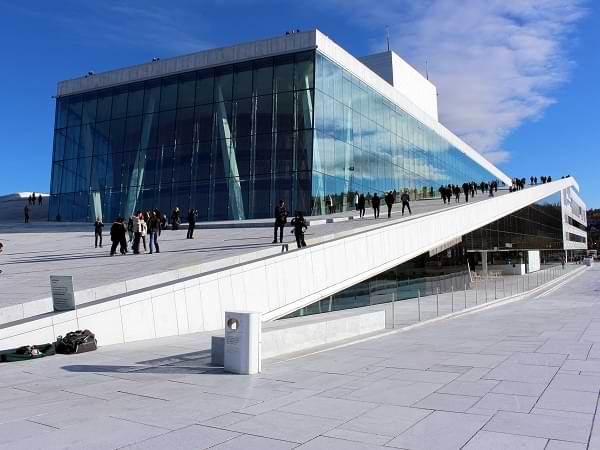 Ópera de Oslo - Vidriado exterior