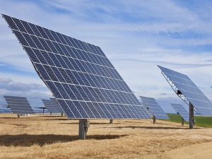 Solar energy  Oil majors moving into clean energy market Solar