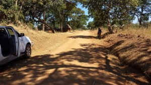 Louis Berger is assisting with the modernisation of the 350-kilometer-long, narrow and unpaved carriageway that crosses the Tete province in Mozambique. Photo credit: Louis Berger