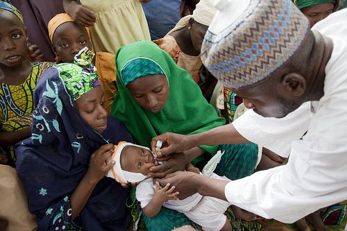 Polio immunisation in Nigeria. Photo credit: comminit.com  Nigeria case informs fresh $35m Rotary polio support Polio