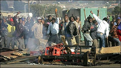 Xenophobic violence in South Africa. Photo credit: publicnewshub.com