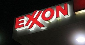 Exxon_signx  Exxon Mobil may be probed over climate 'lies' Exxon signx400 0