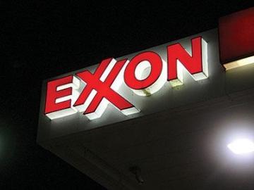 Exxon_signx400_0  How Exxon ignored global warming evidence decades ago Exxon signx400 0