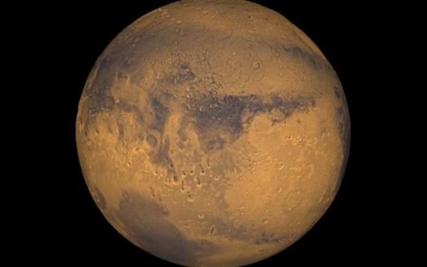 Martian streaks painted by water. Photo credit: NASA