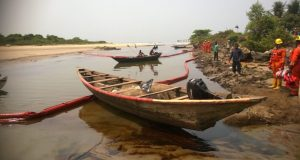 Ineffective clean up  Fishermen flay spill, urge ExxonMobil to clean Niger Delta Ineffective clean up e1521209527940