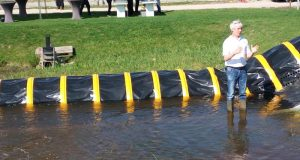 Tube Barrier  Flood control: How Dutch use water to battle water Dam3 e1464825812957