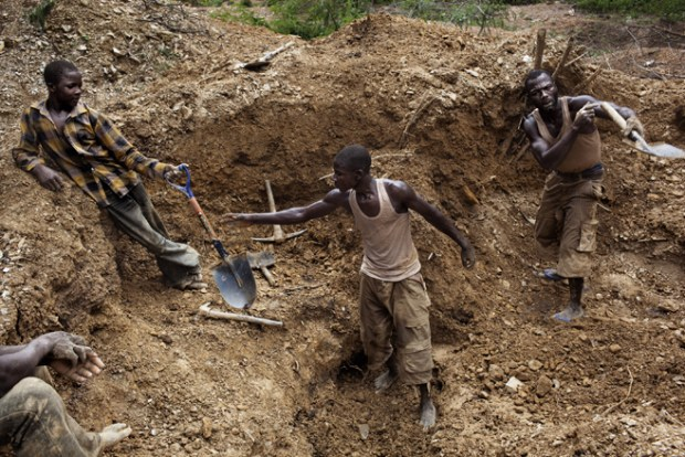 Men work in the mines where they dig deep to find the rock and then crush these rocks to find the gold ore. Inside the rocks there is also deposits of other metals, one being lead which is poisoning children. Photo credit: sweetcrudereports.com
