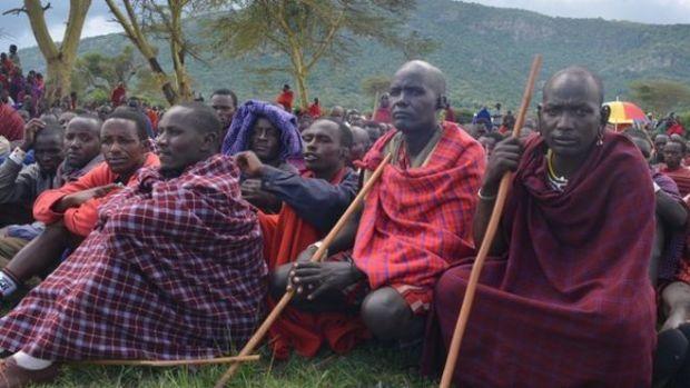 Maasai men. Photo credit: bbc.co.uk  Tanzania intimidates Maasai landgrab protesters maasaimen