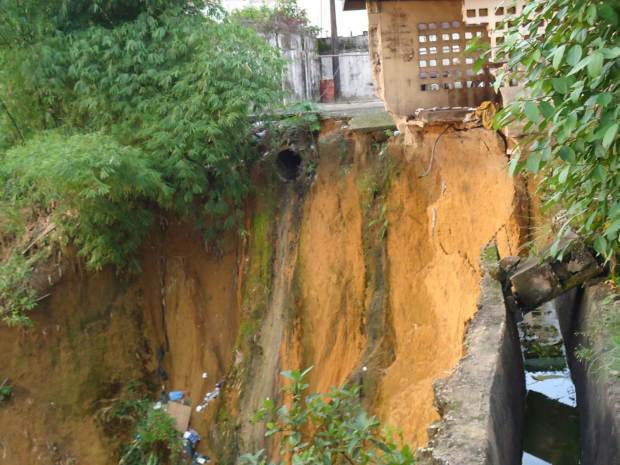 gully erosion site  Govt urged to intensify erosion control to reduce damage, cost Picture11 1024x768