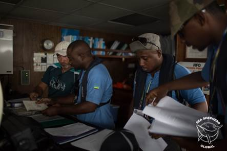 Gabonese Fisheries Police inspecting an EU Tuna Boat