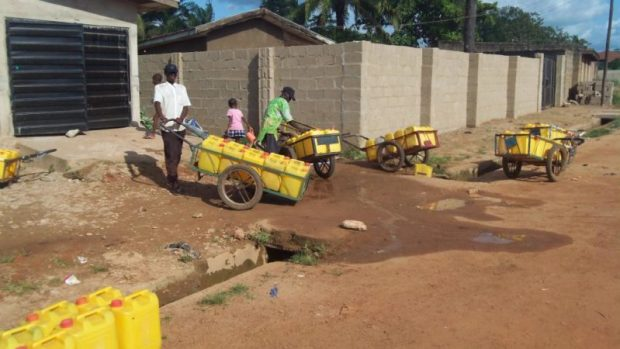 water-vendors  New WaterAid scheme in Bauchi to 'go beyond just providing toilets and taps' Water Vendors e1479672833919