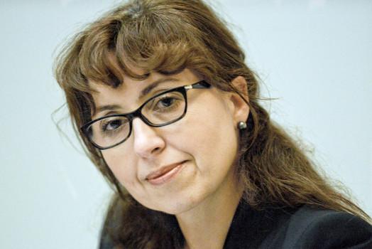 Cristiana Paşca Palmer  Governments embark on transformative agenda to achieve global biodiversity targets Cristiana Pa  ca Palmer