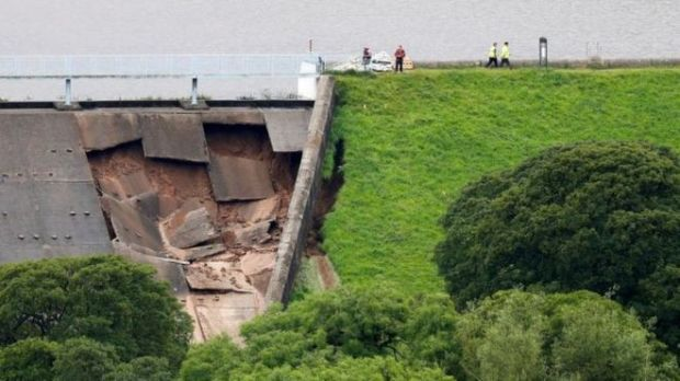 Whaley Bridge dam  More residents evacuated as dam collapse threatens English town Whaley Bridge dam