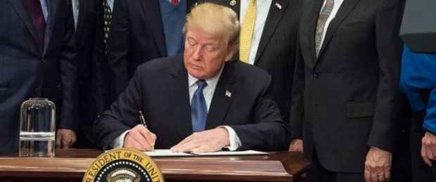 Donald Trump  Covid-19: Concern over Trump's plan to end restrictions by Easter Trump