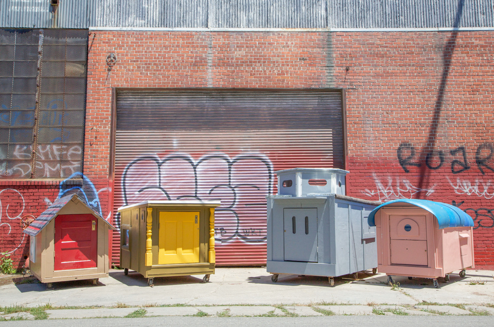 California Artist Creates Homeless Homes Using Trash