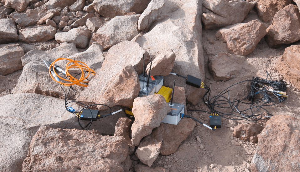 Mesh Wireless Sensor Network on rocks in the Atacama desert