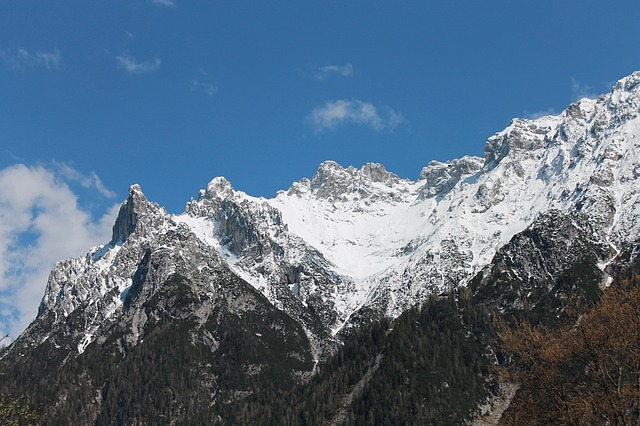 Image of the Bavarian Alps with snow on top