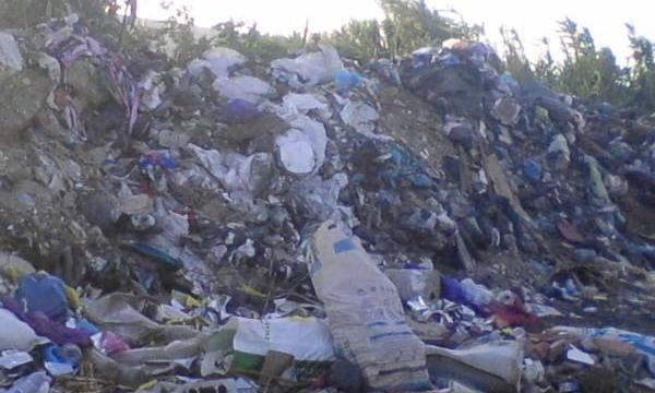 Une mini-décharge sauvage à Bordj El Bahri (Alger)