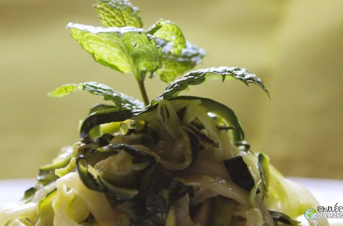 Courgettes-tagliatelles-menthe-vinaigre balsamique-huile de noisette
