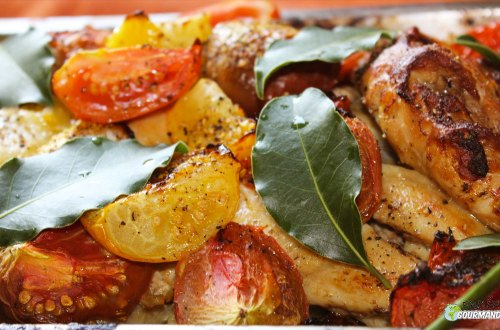 Pollo-tomate-laurel-mostaza y cebolla y ajo arroz