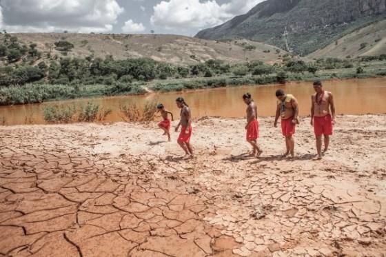 O povo Krenak, às margens do Rio Doce, é uma das vítimas mais frágeis da tragédia. Foto: Nicoló Lanfranchi / Greenpeace