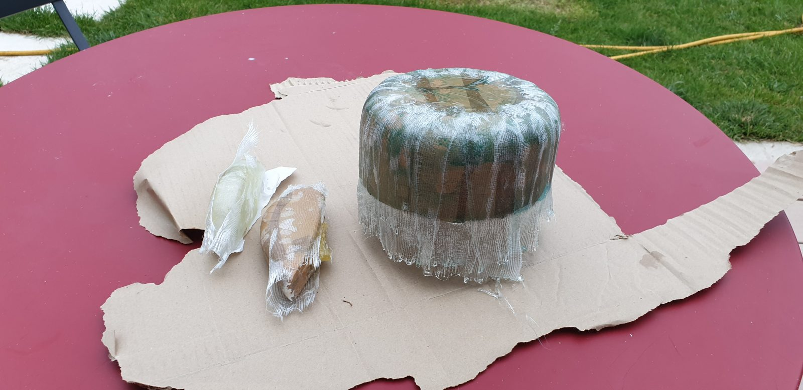 Fiber and resin on the parts to be molded 2