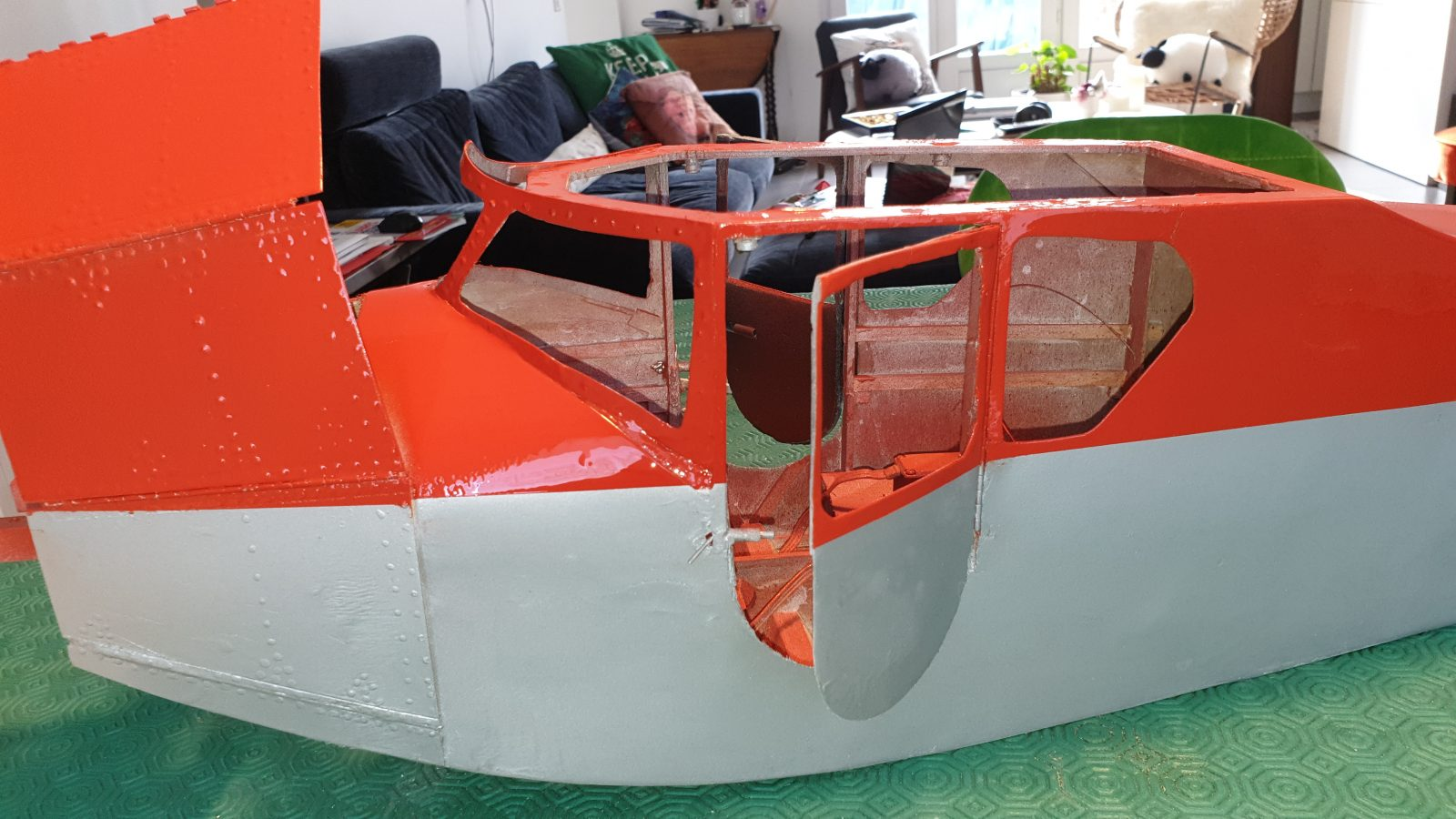 You are currently viewing Painting of the fuselage completed