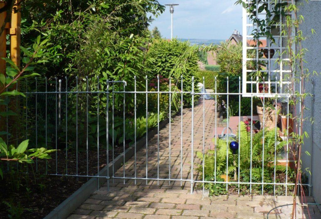 Metall im Garten  Sichtschutz und Pflanztrge aus Corten
