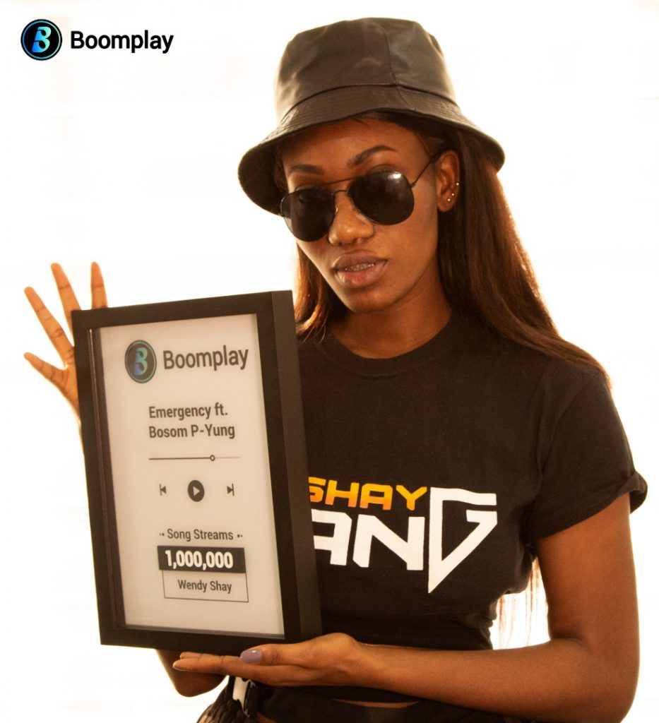 Wendy Shay Receives Boomplay Award For Hit Single 'Emergency'
