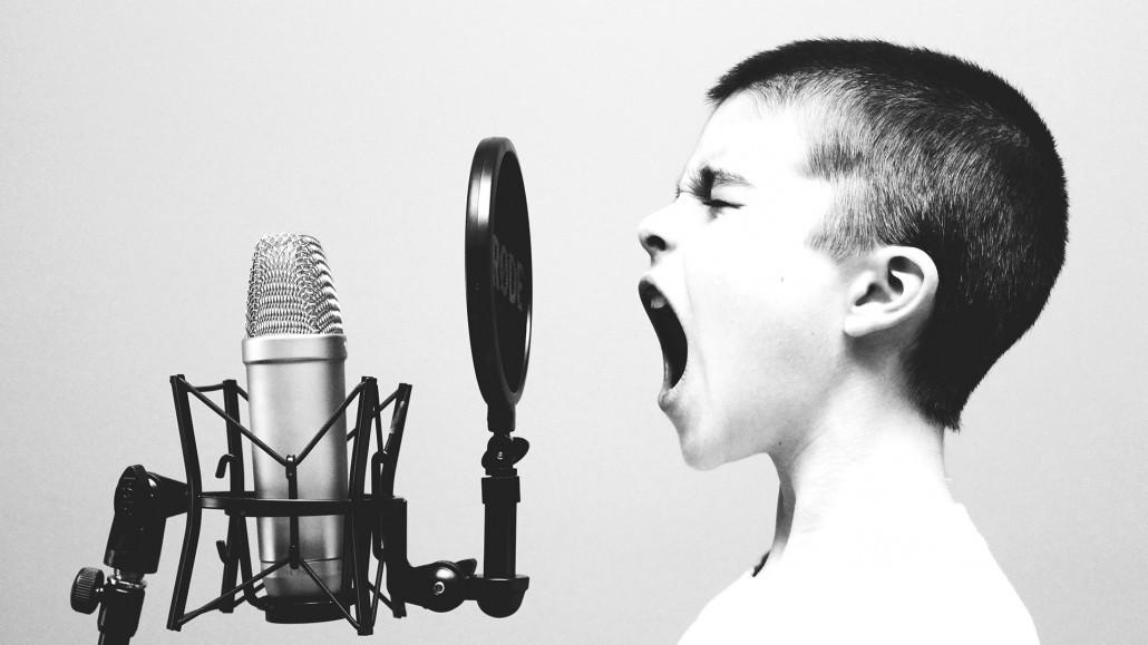 Voix-off