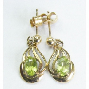 9crt gold vintage earrings 1970