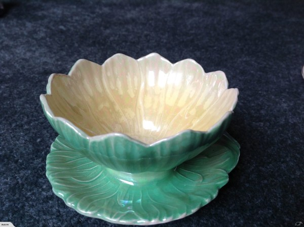 Stunning Vintage Royal Winton pond lily dessert bowls