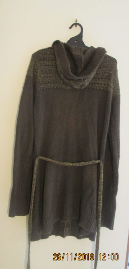 vintage urban second-hand pre-owned long cardigan in very good pre-loved condition