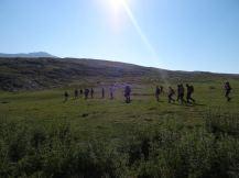 Διασχίζοντας οροπέδιο στο όρος Τύμφη κατά την ανάβαση στη Γκαμήλα