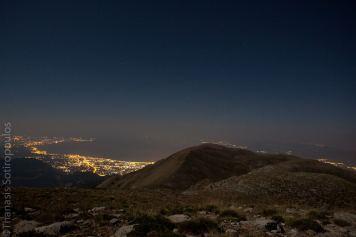 Η Πάτρα και ο πατραϊκός κόλπος νύχτα από την κορυφή Βοδιάς