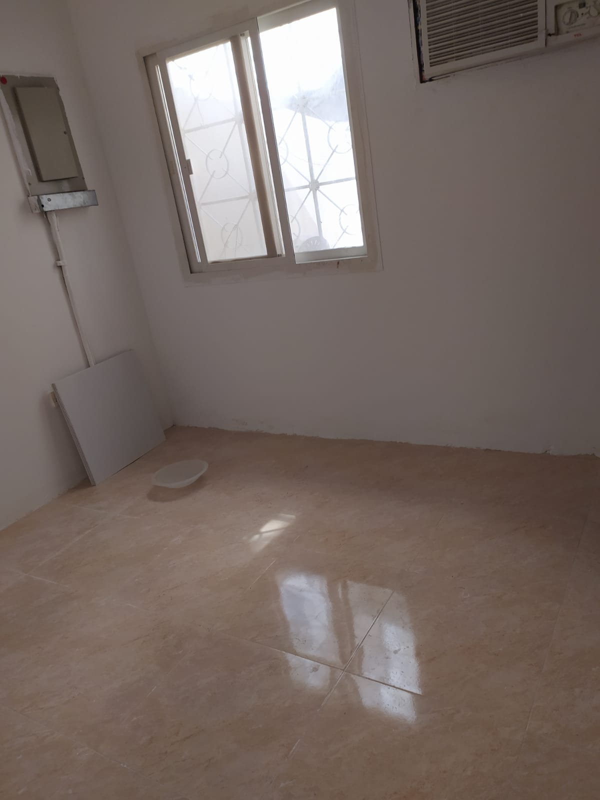2-bed-1-bath-1-hall-and-kitchen–3300QR