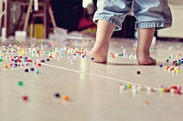 Como fazer seu filho guardar os brinquedos