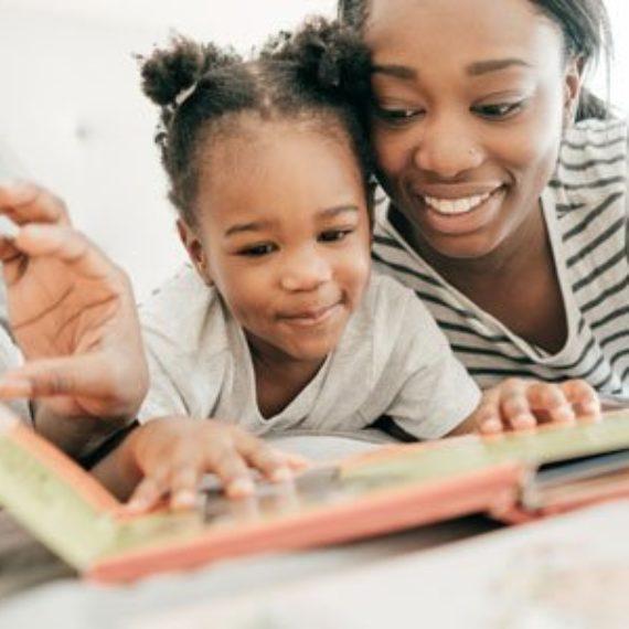 Ler para as crianças é estar do lado delas