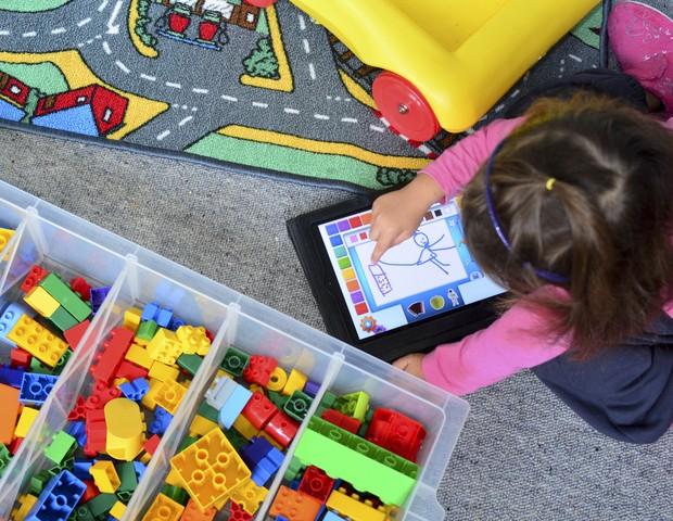 Aplicativos para crianças têm excesso de publicidade, alerta pesquisa