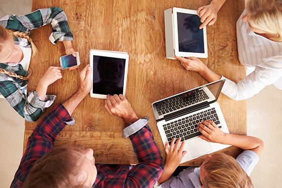 Lei que protege os dados do seu filho online foi aprovada; veja o que muda