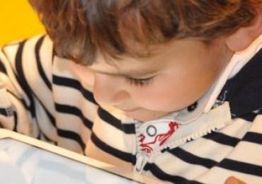 A melhor maneira para uma criança aprender ainda é a brincadeira