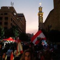 Une révolte populaire au Liban.