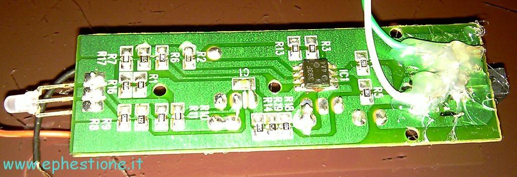 Pannello Solare Per Caricare Batteria Auto : Costruire un caricatore a pannello solare con batteria di
