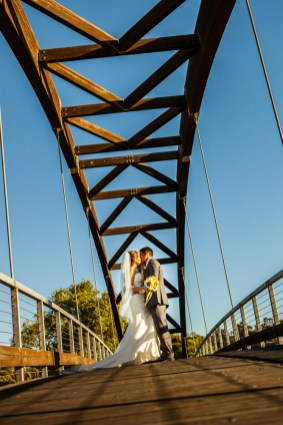 riverwalk-wedding-24
