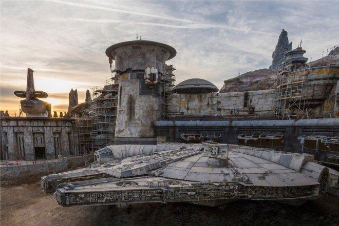 Star Wars Galaxys Edge theme park