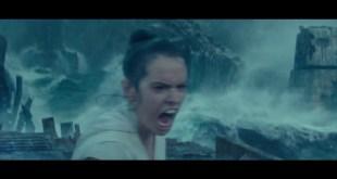 Disney Star Wars Movie The Rise of Skywalker Blu-ray/DVD - Bonus Clip - Rey and Kylo Ocean Battle