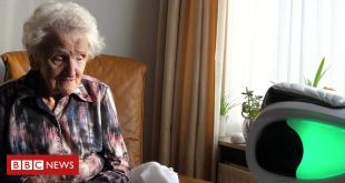 Covid-19: Robots help care home residents stay in touch