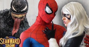 SPIDER-MAN vs VENOM: Epic Cosplay Battle at Comic Con! SPIDER-VERSE